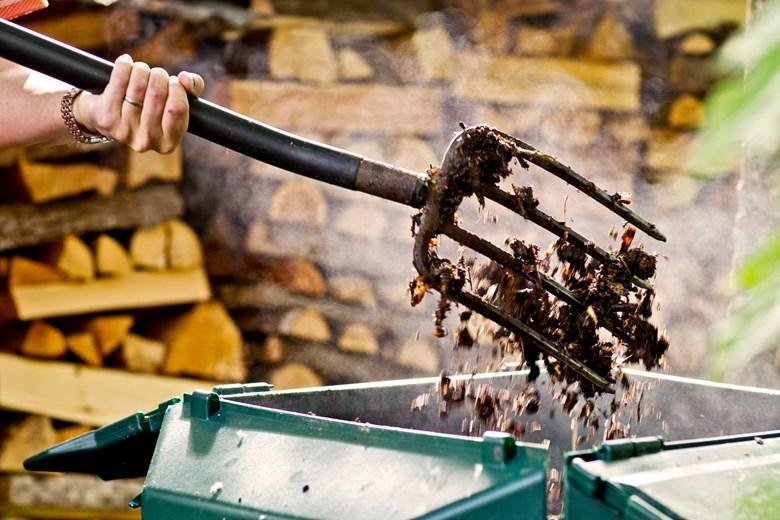 Kompostin Hoito